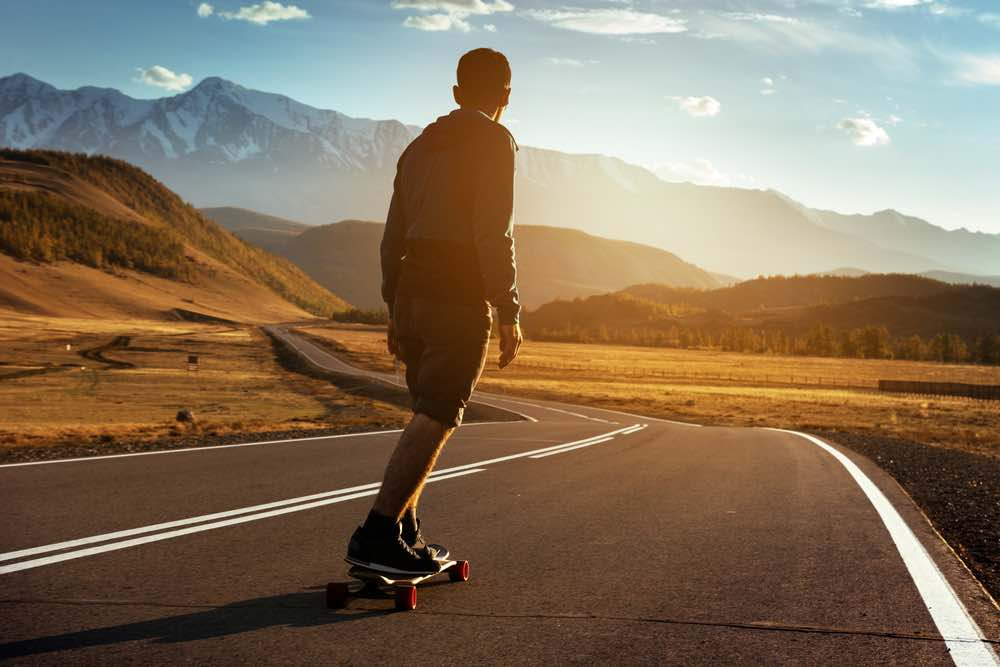 Best Carving Longboards: Carving Through The Mountains