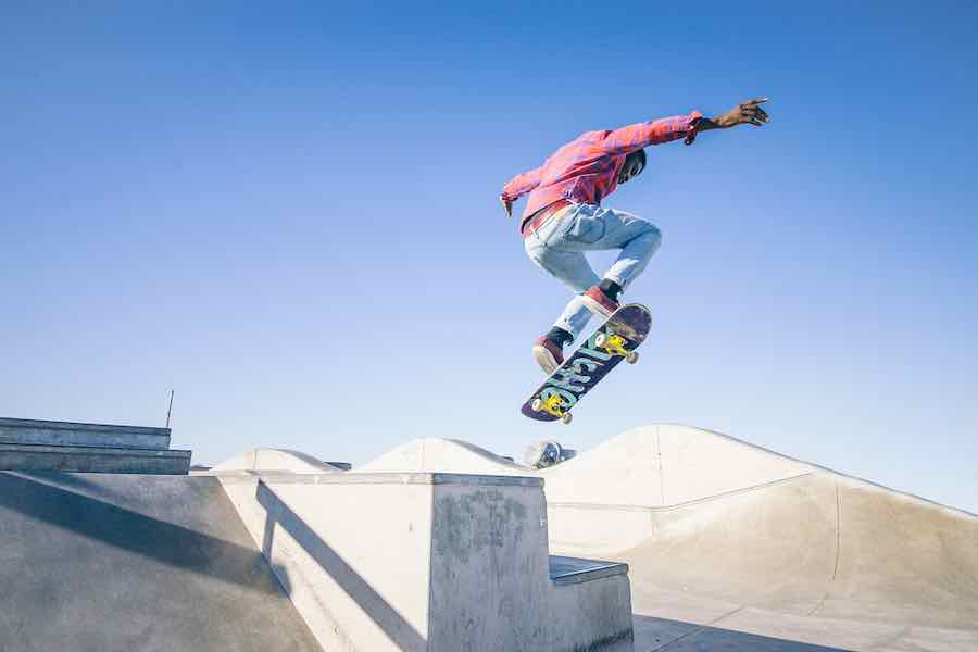 Longboards vs Skateboards: What's The Difference? 2